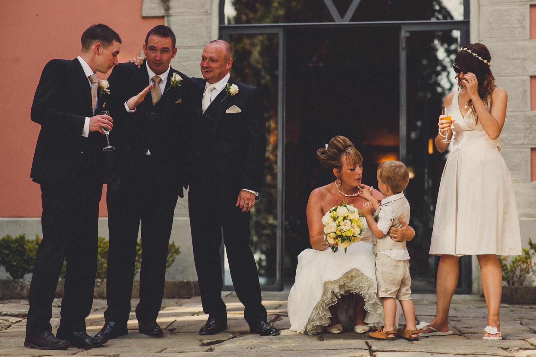 creative wedding photographer in Tuscany