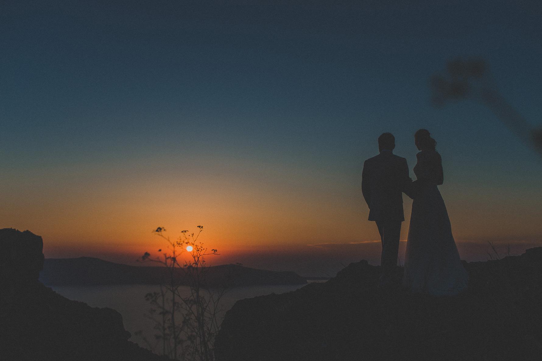 elopement-in-santorini-grace-hotels-sunset-portrait