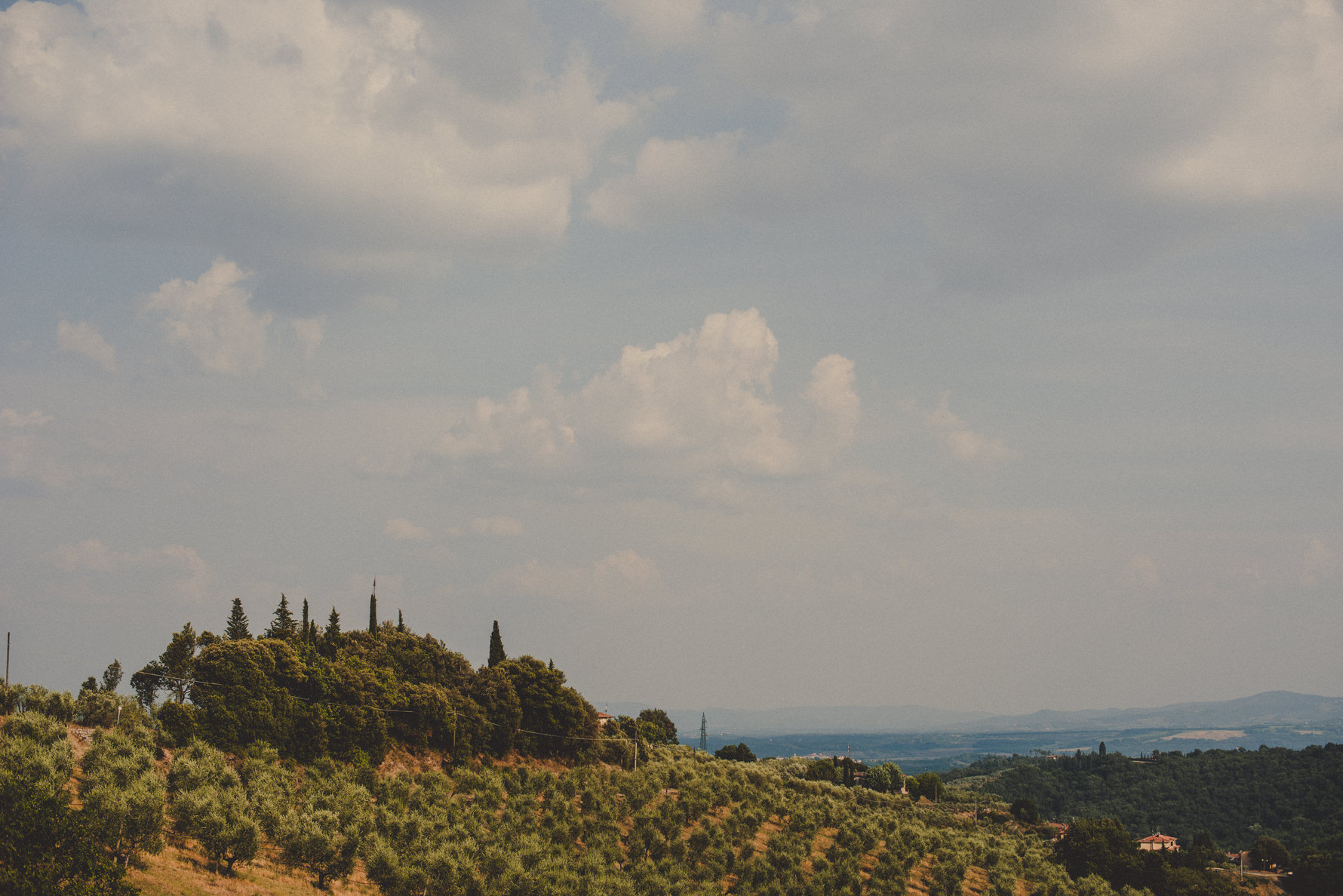 tuscany-country-chic-wedding-photographer-san-leo-estate-chianti-countryside