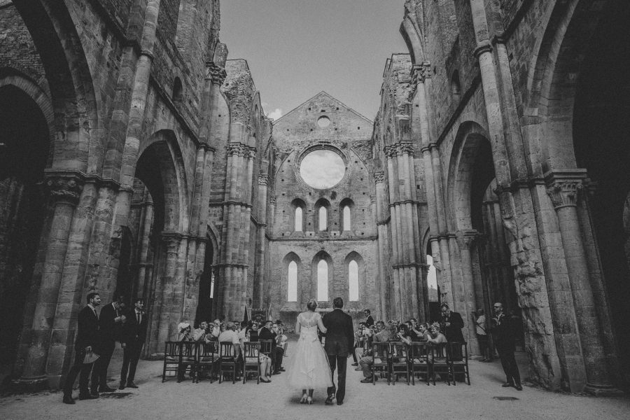 wedding-in-saint-galgano-abbey-livio-lacurre-photography