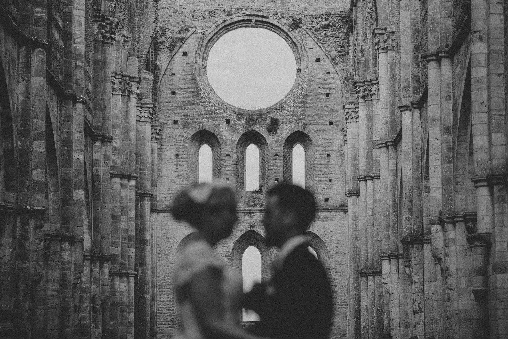 saint-galgano-abbey-wedding-photographer-livio-lacurre-photography