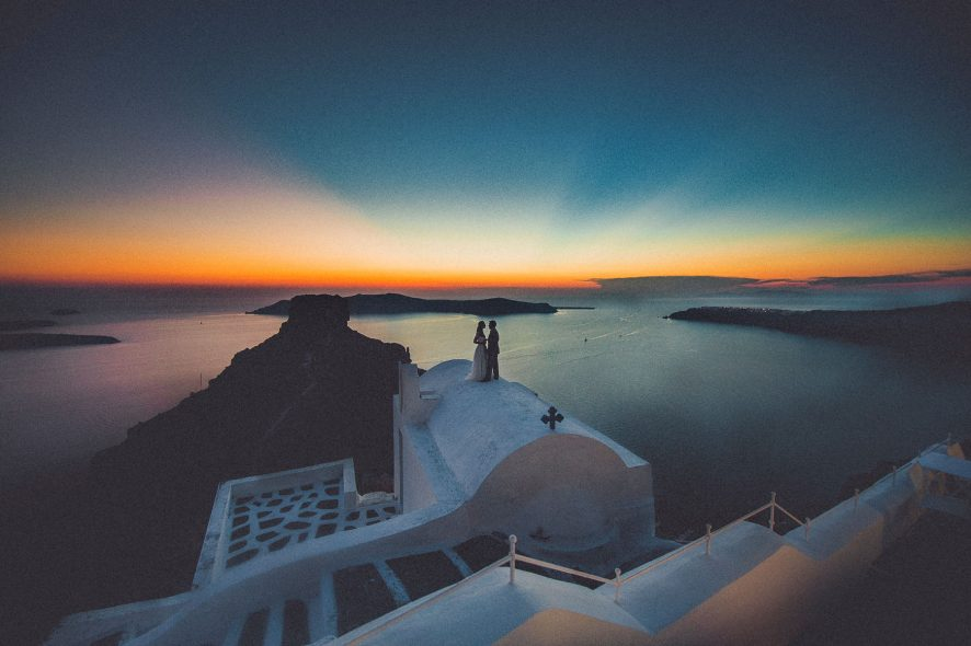greece-exclusive-wedding-photographer-santorini-elegant-epic-couple-portrait