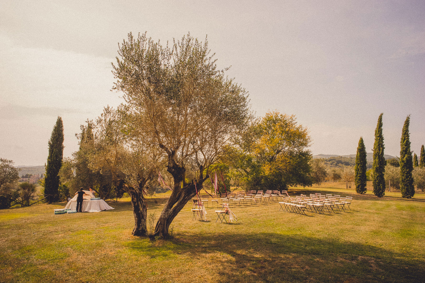 romantic-country-chic-wedding-in-umbria-italy