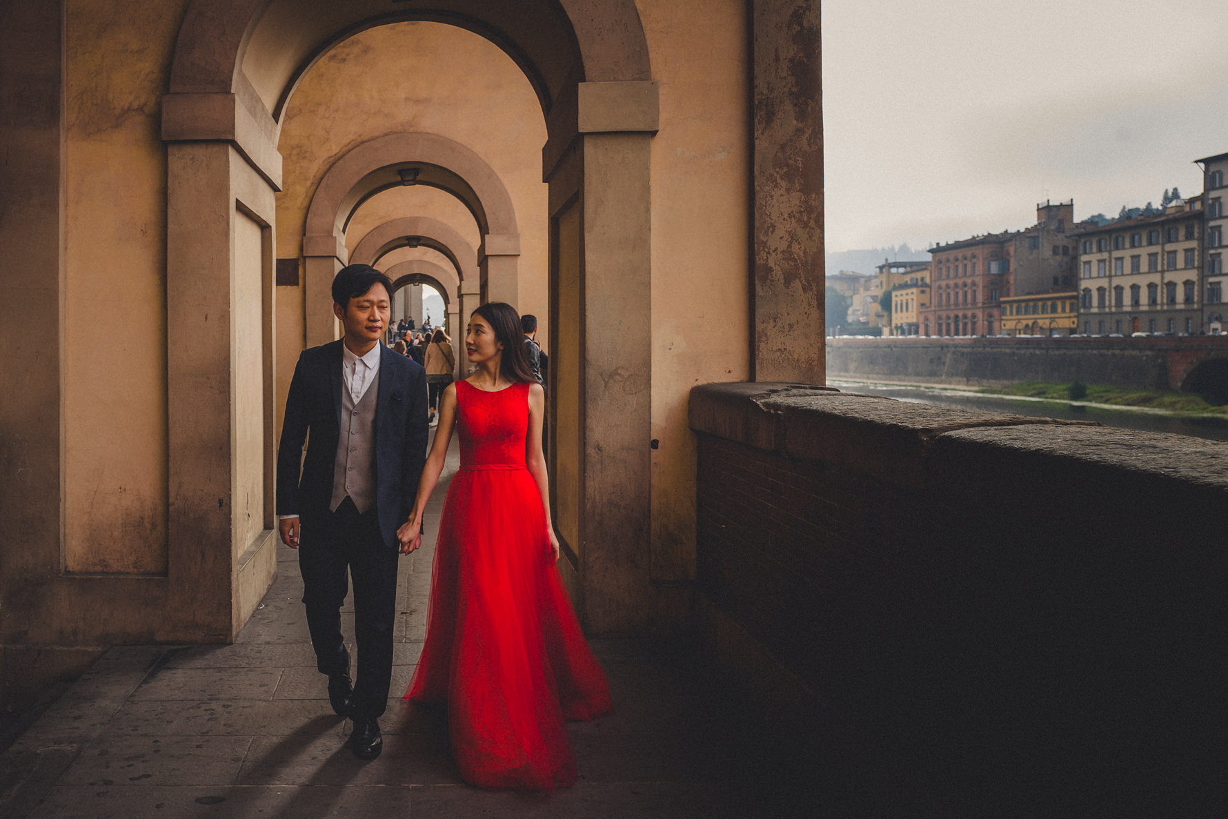 creative-chinese-honeymoon-shooting-in-florence