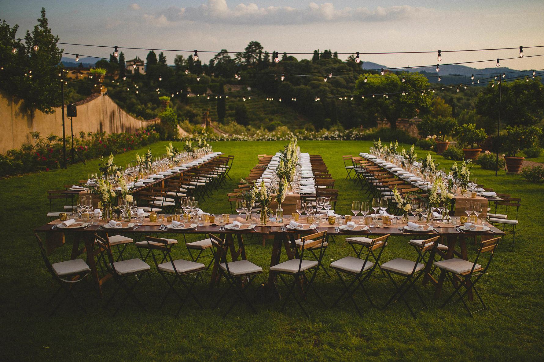 Livio-Lacurre-timeless-wedding-in-Florence-villa-di-Liliano