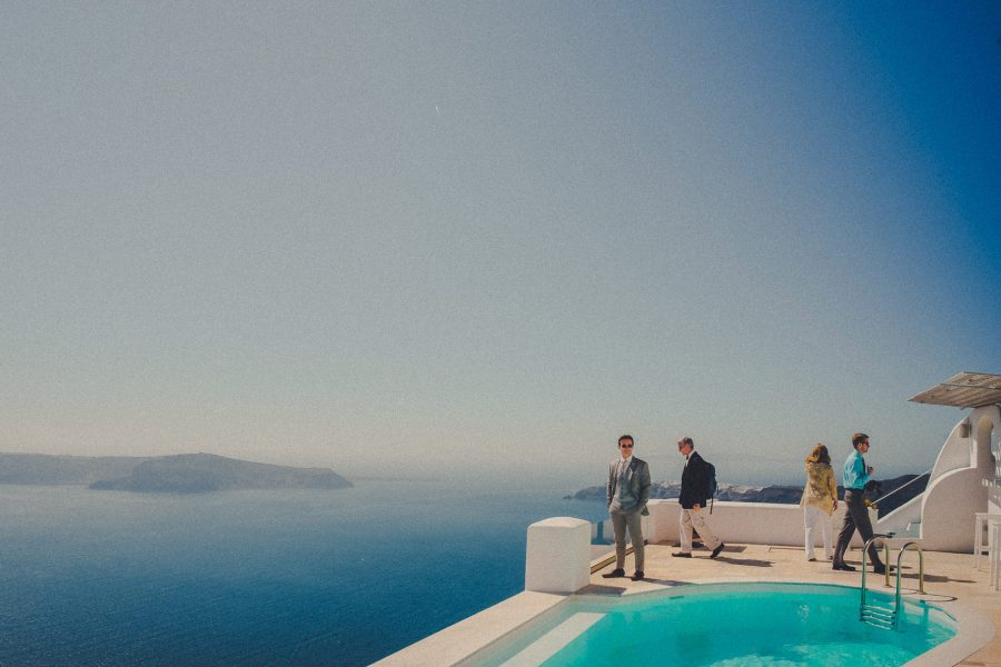 wedding-photographer-in-santorini-greece