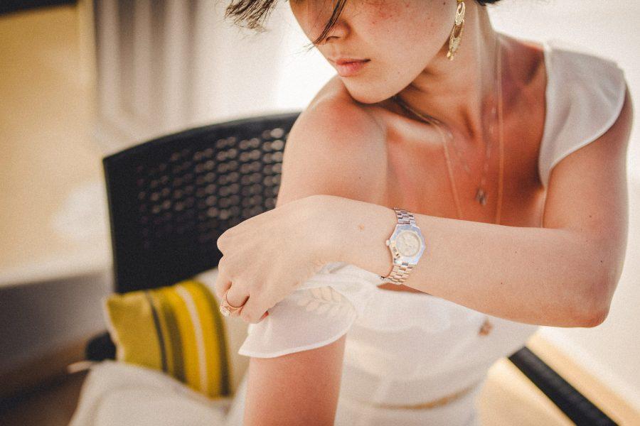 wedding-photographer-in-santorini-greece