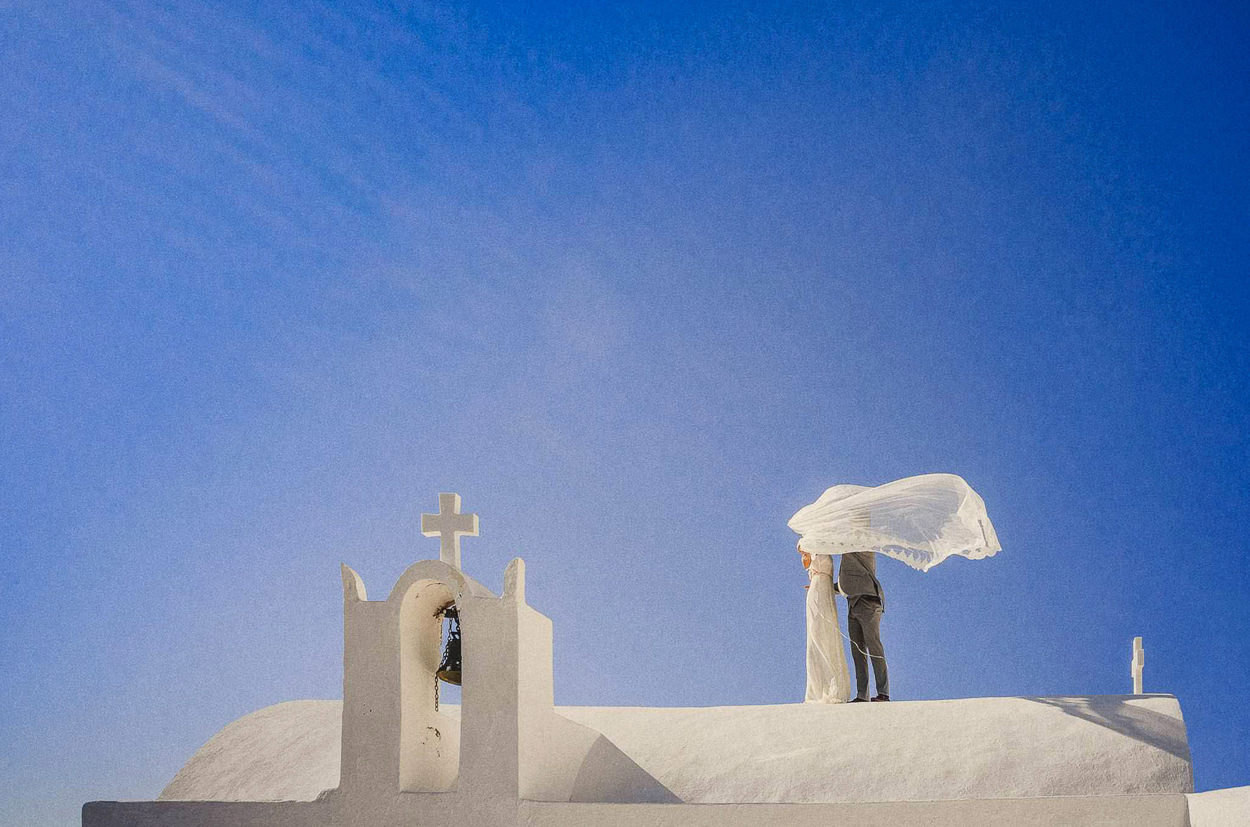 intimate wedding photography in santorini