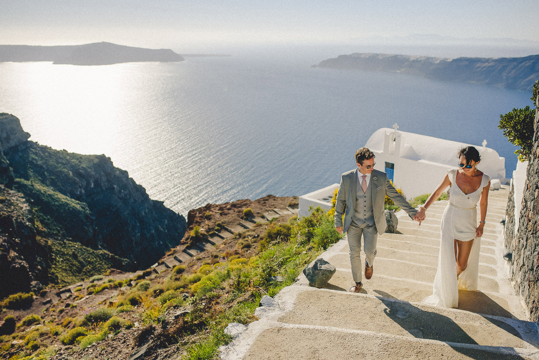 wedding-photographer-in-santorini