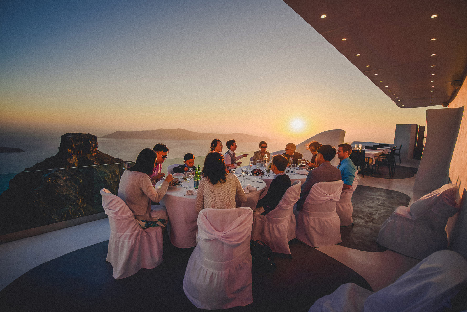 best-wedding-photographer-in-santorini