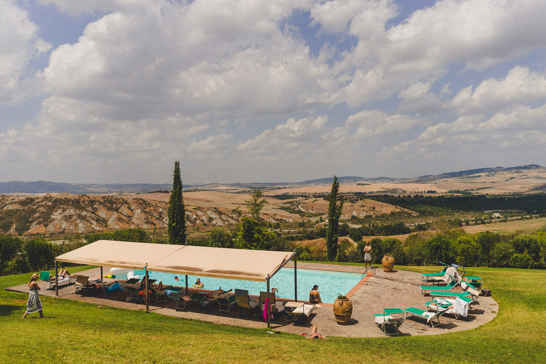 german-wedding-in-amazing-valdorcia-landscape