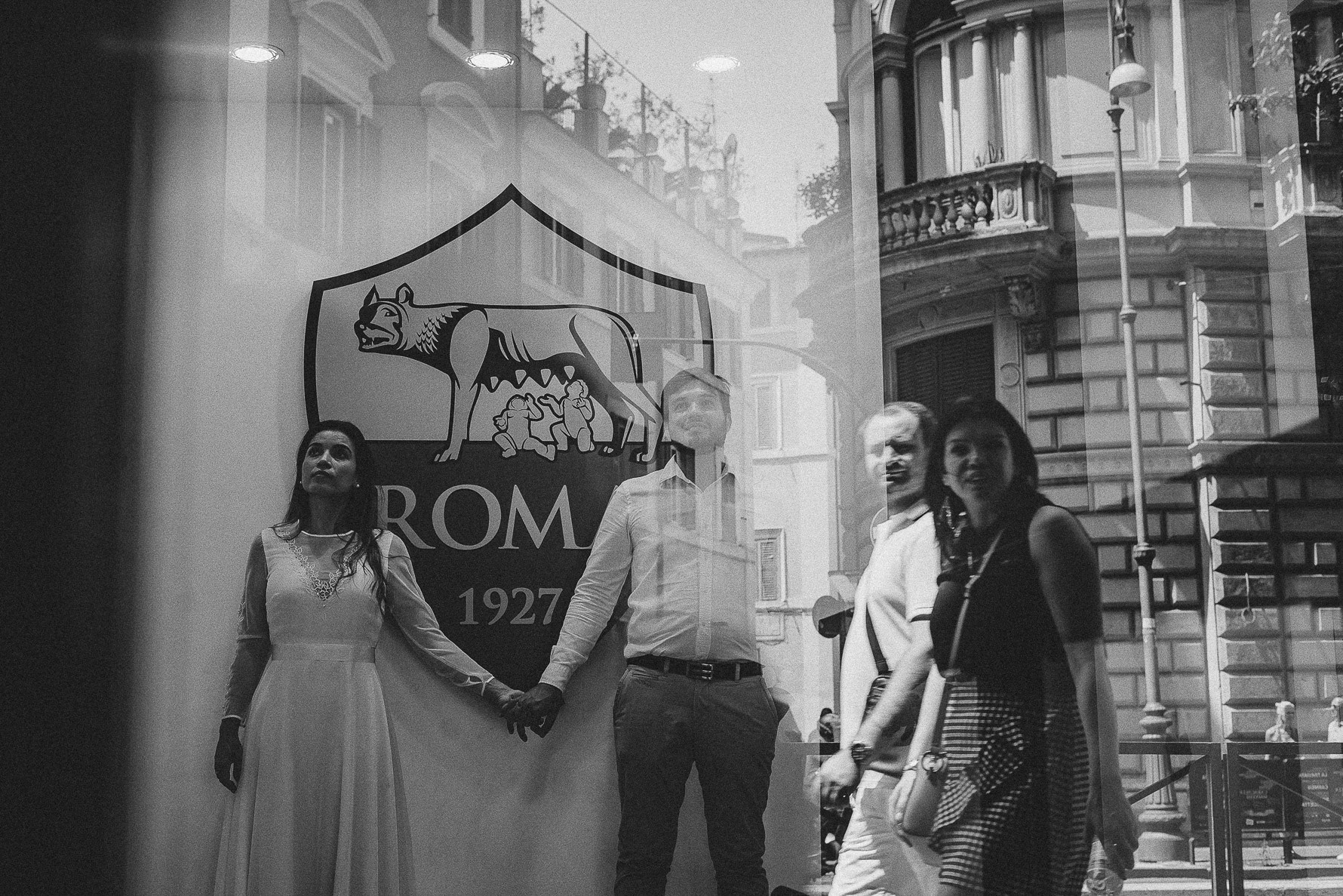 livio-lacurre-unconventional-wedding-shooting-in-rome